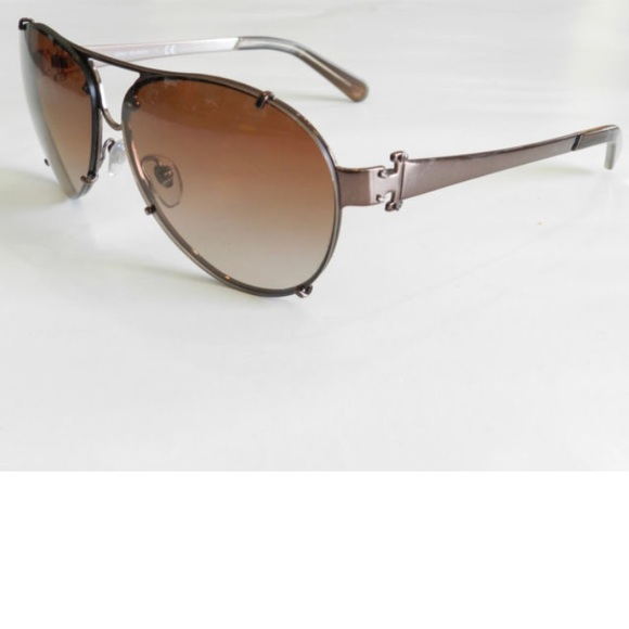 6ad9e59584d Tory Burch Accessories - Tory Burch Aviator sunglasses gradient lenses